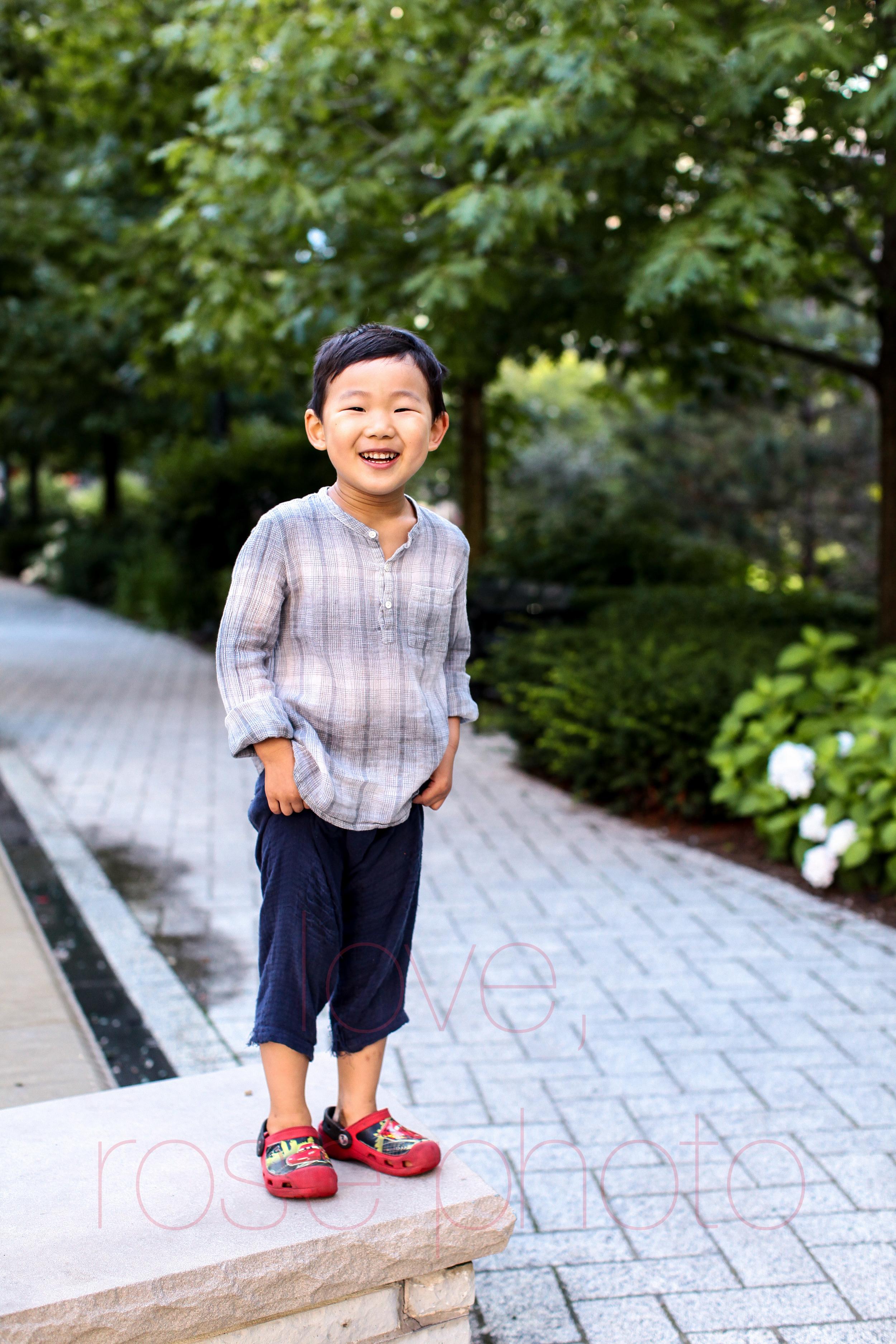 chicago lakeshore east children's photographer lifestyle portrait photography millenium park -003.jpg