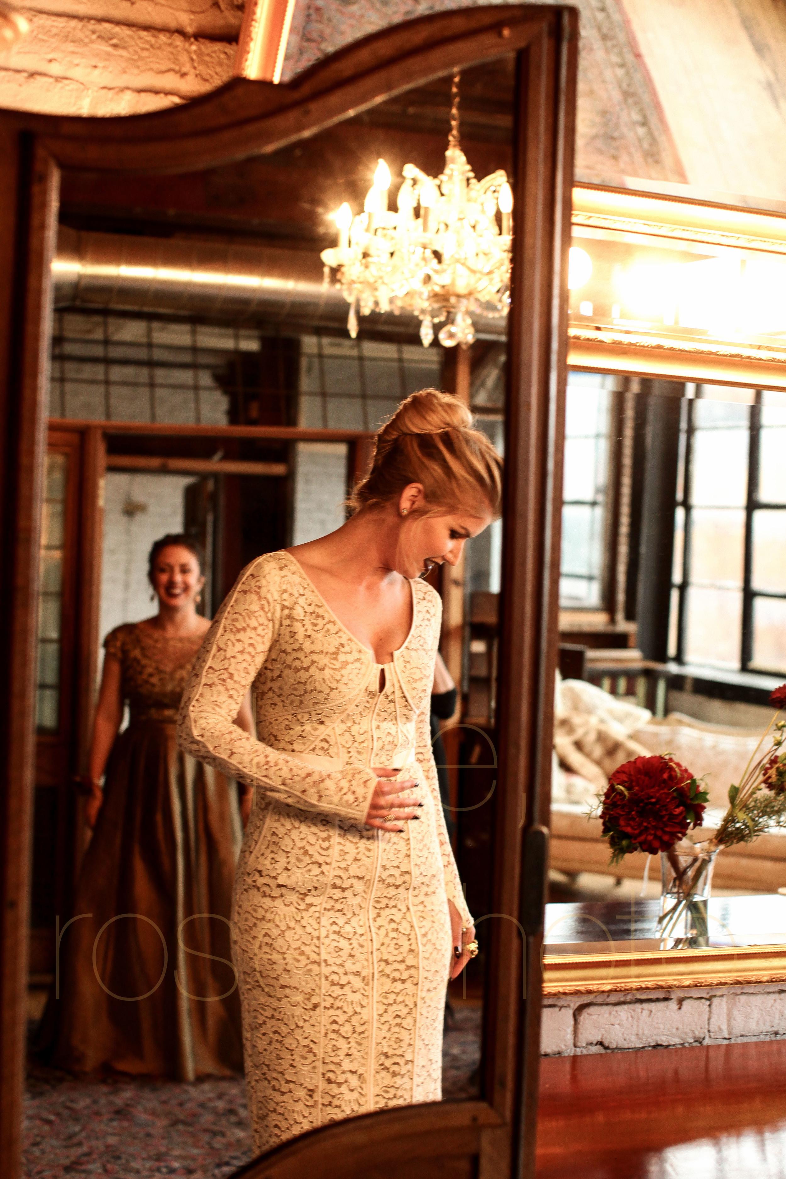 West Fulton Chicago Wedding Venue Salvage One photography enagement photos bride groom first dance-9.jpg
