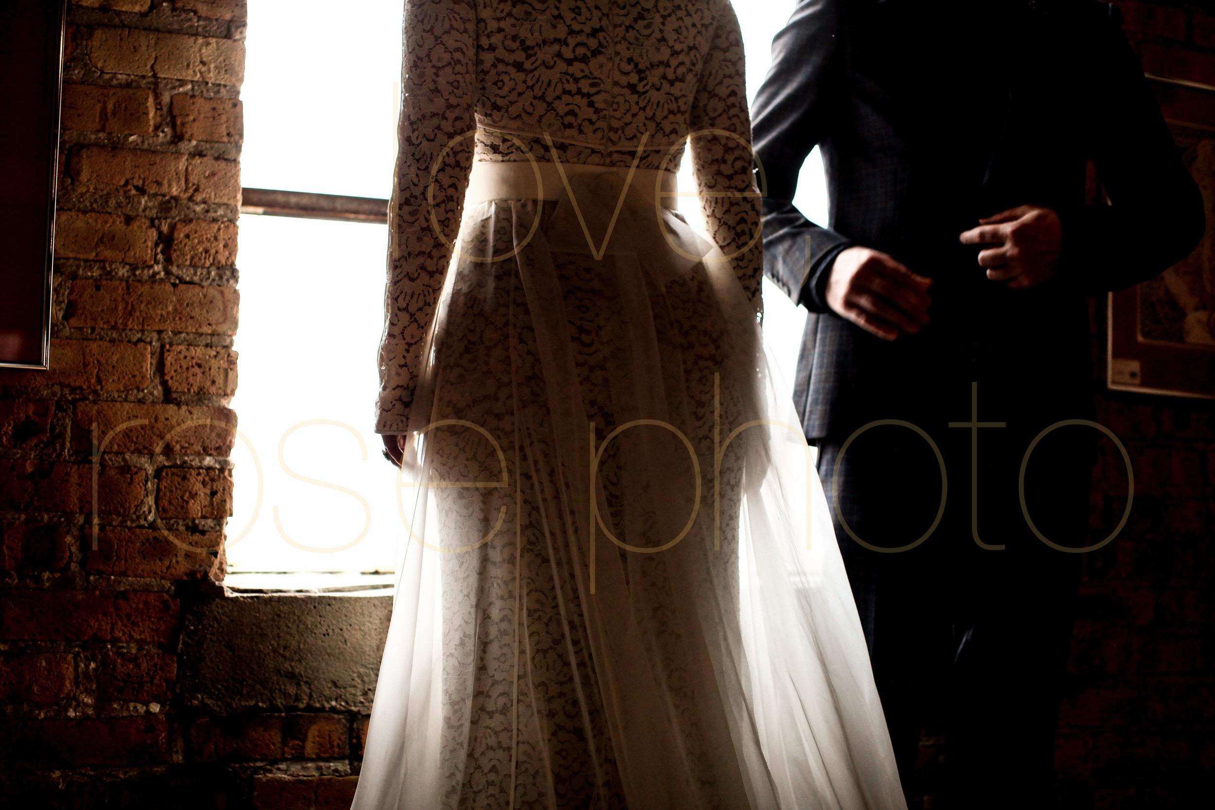 West Fulton Chicago Wedding Venue Salvage One photography enagement photos bride groom first dance-15.jpg