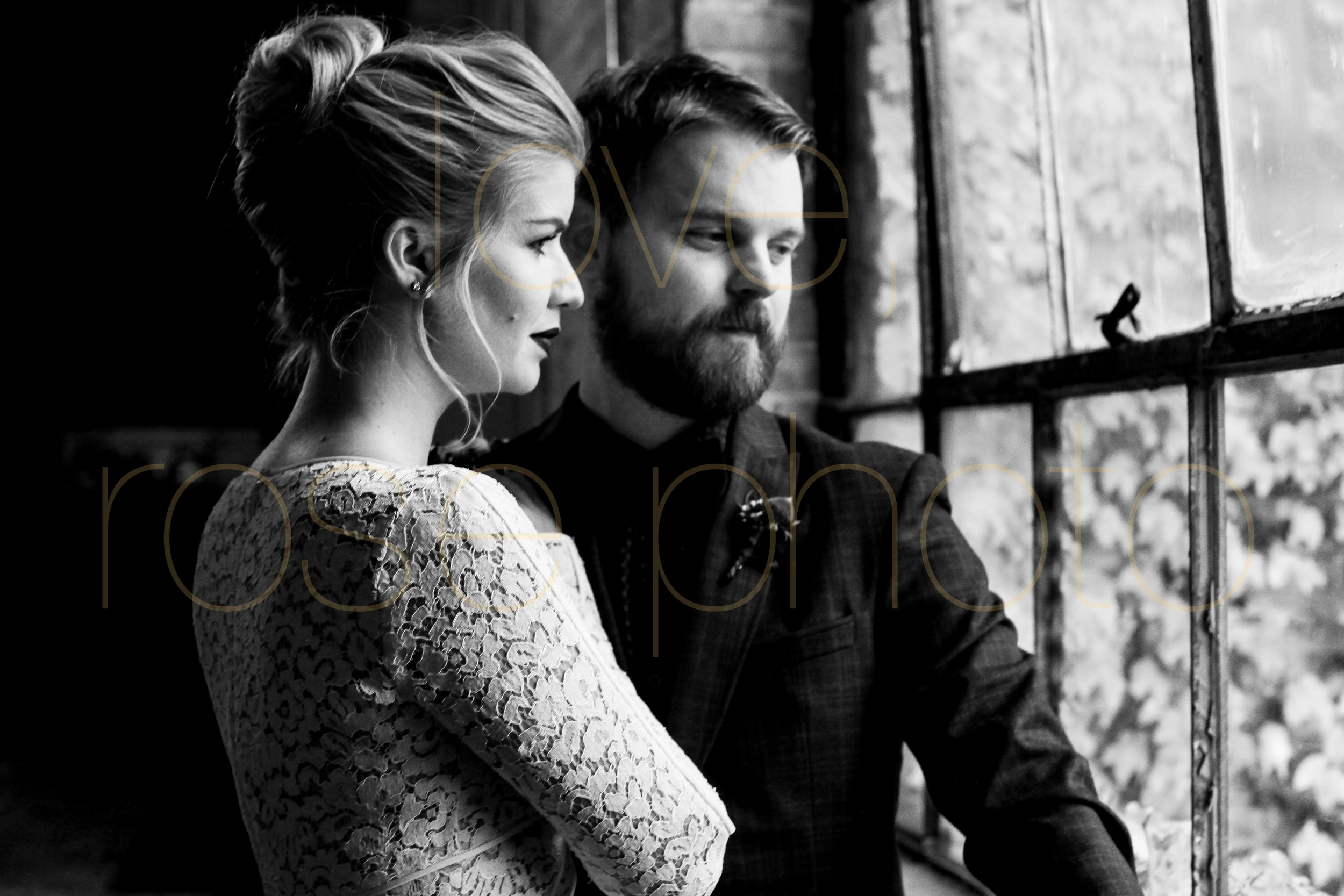 West Fulton Chicago Wedding Venue Salvage One photography enagement photos bride groom first dance-17.jpg