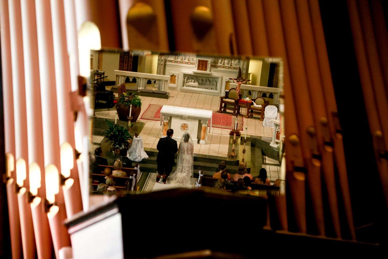 Intercontinental+Mag+Mile+Chicago+Best+Wedding+Photography+Rose+Photo+-25.jpg