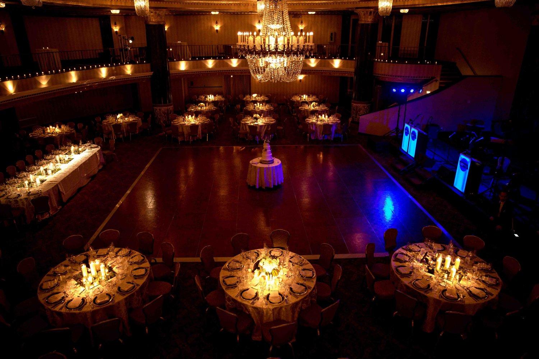 Intercontinental+Mag+Mile+Chicago+Best+Wedding+Photography+Rose+Photo+-36.jpg