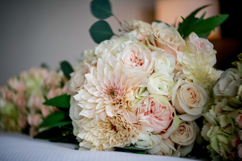 Intercontinental+Mag+Mile+Chicago+Best+Wedding+Photography+Rose+Photo+-55.jpg