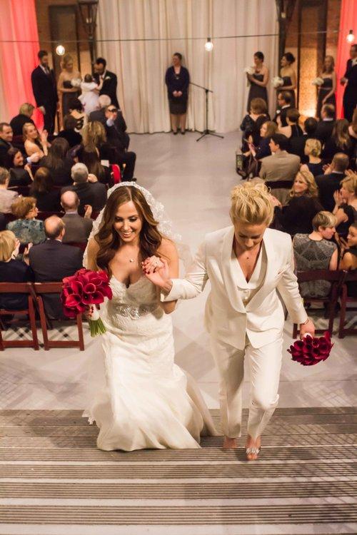 gay+wedding+lesbian+brides+Rose+Photo+downtown+Chicago+wedding+mag+mile+valentines+day+wedding++best+wedding+photography-20.jpg
