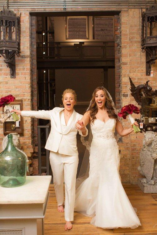 gay+wedding+lesbian+brides+Rose+Photo+downtown+Chicago+wedding+mag+mile+valentines+day+wedding++best+wedding+photography-21.jpg
