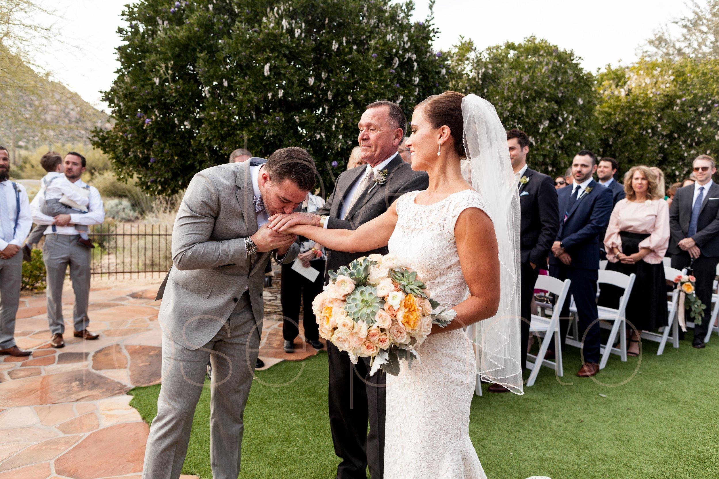 Scottsdale Sedona lifestyle best of destination wedding photographers-43.jpg