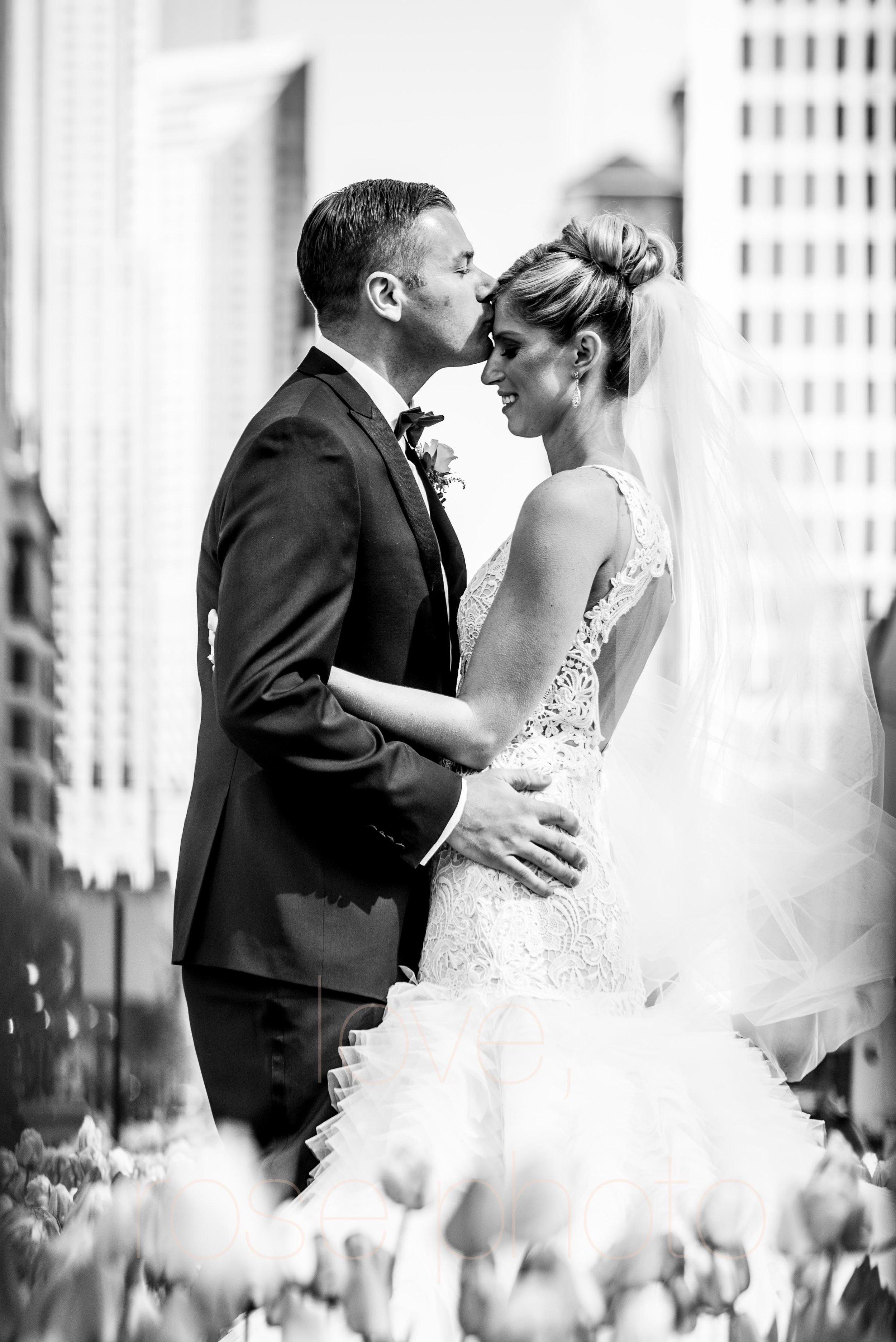 downtown spring wedding palmer house jewish galleria marchetii lazara gown by Rose Photo -21.jpg