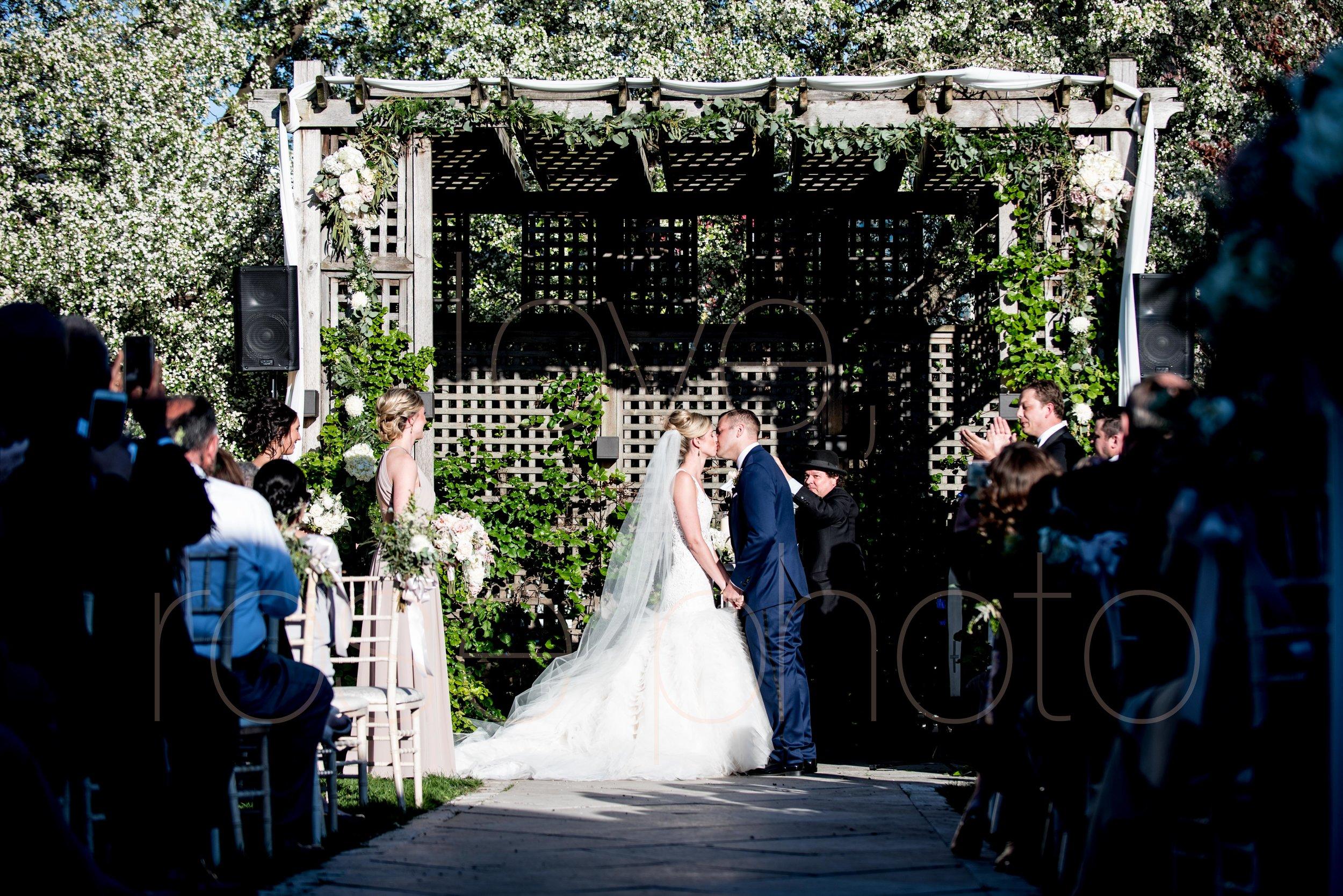 downtown spring wedding palmer house jewish galleria marchetii lazara gown by Rose Photo -38.jpg