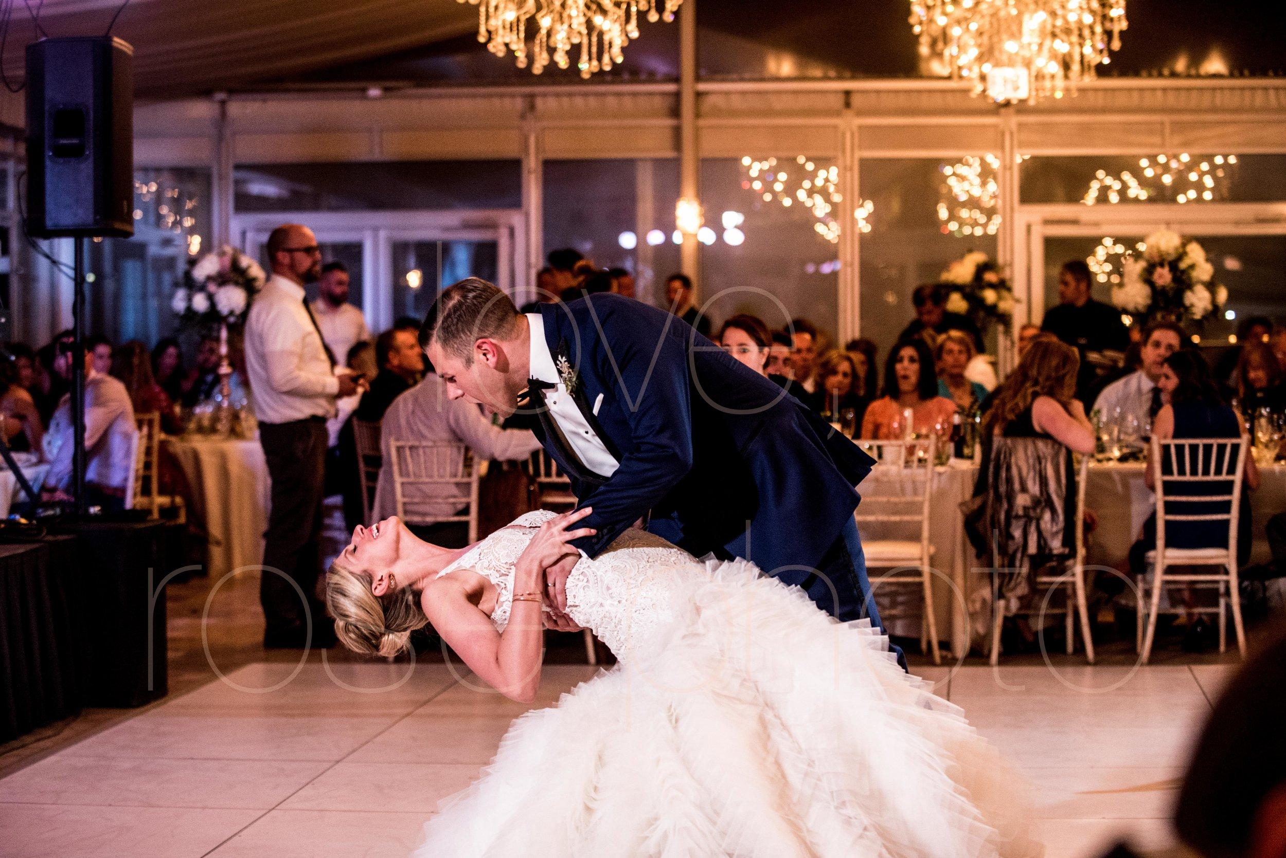 downtown spring wedding palmer house jewish galleria marchetii lazara gown by Rose Photo -48.jpg
