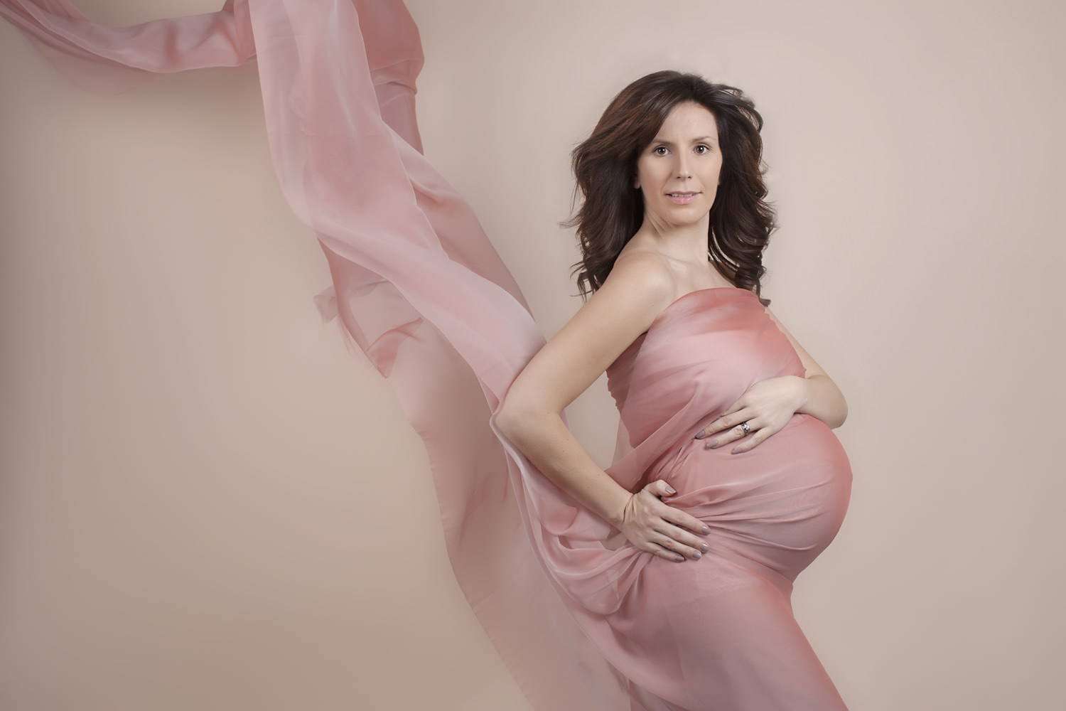 Maternity photographer in Wiltshire and the South West.