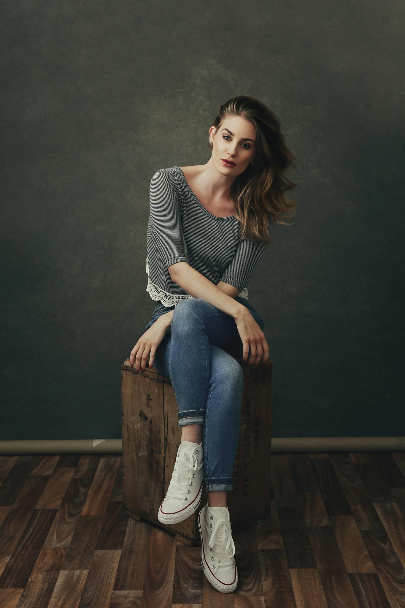 Artemis Fauna jeans & converse