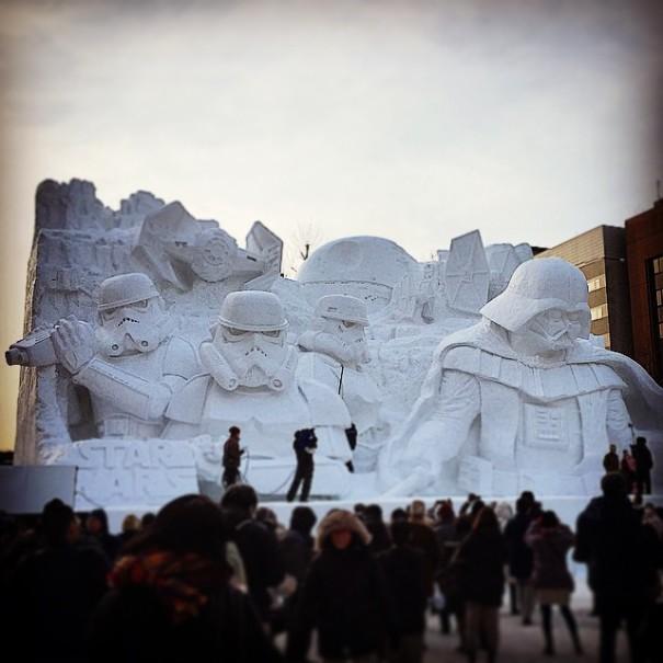 giant-star-wars-snow-sculpture-sapporo-festival-japan-22-605x605.jpg
