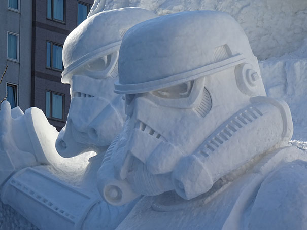 giant-star-wars-snow-sculpture-sapporo-festival-japan-13.jpg