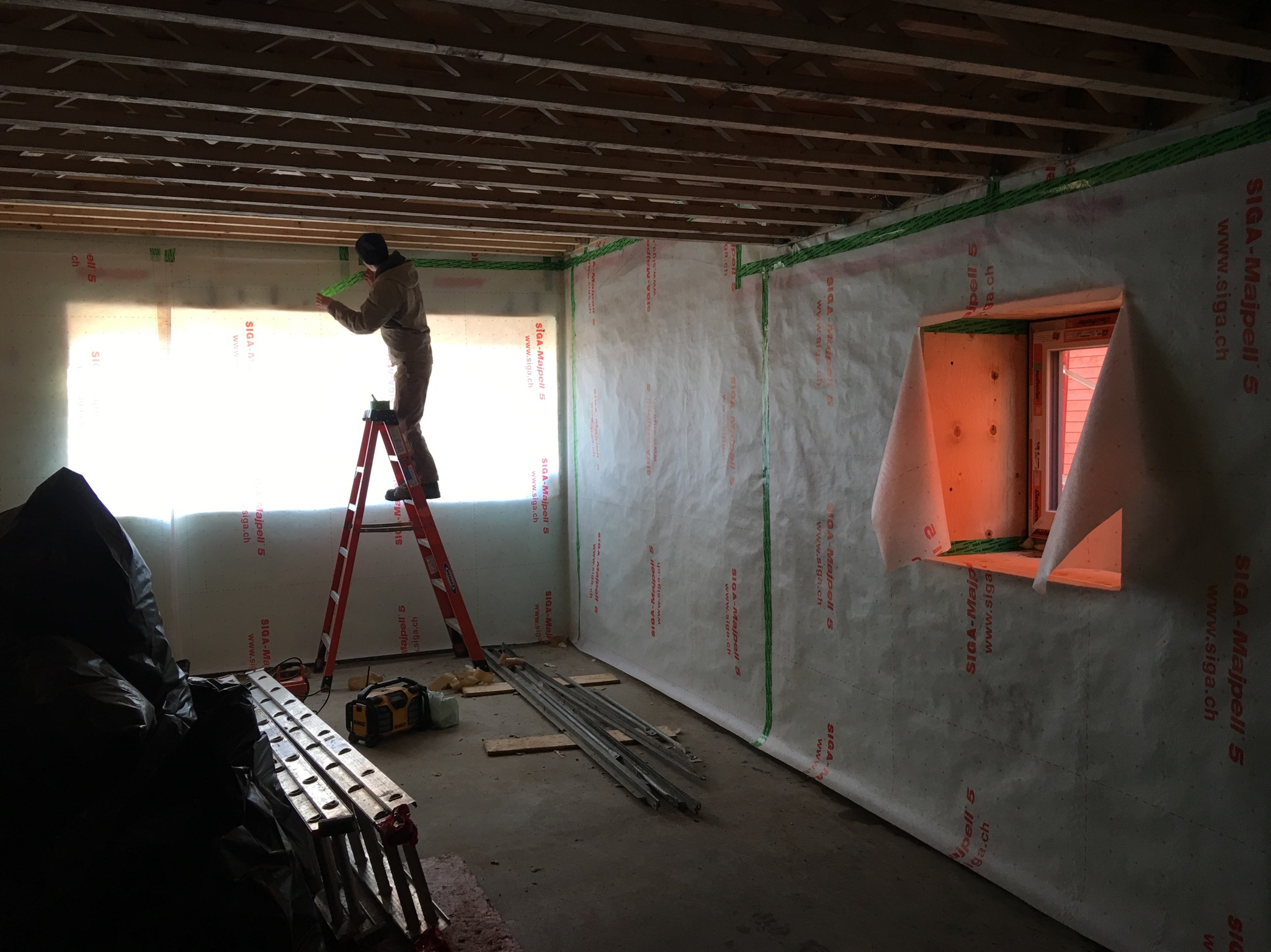 Basement air and vapour membrane