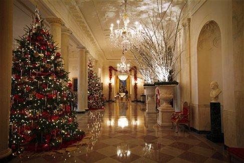 847-199White_House_Christmas_sff_standalone_prod_affiliate_70.jpg