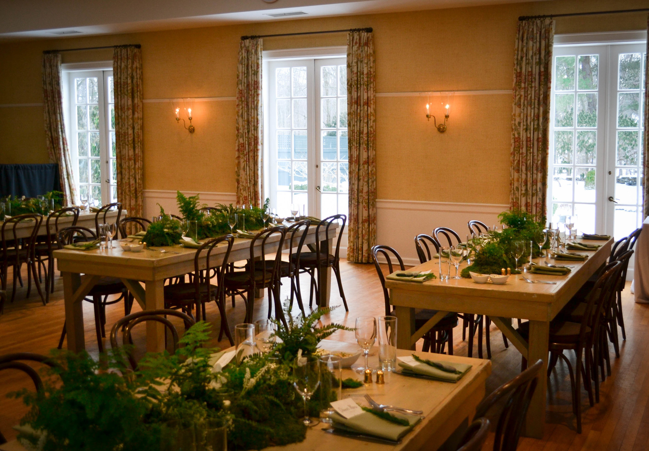 8' farm tables gave the event a communal, intimate feel.