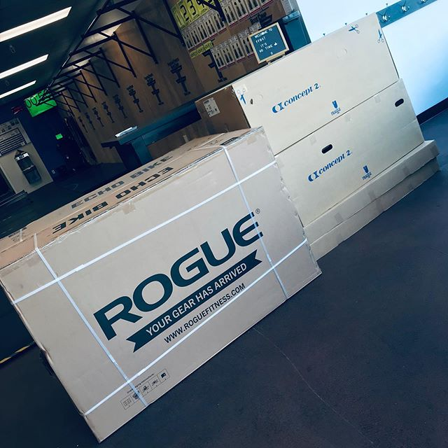 Time to Level Up once again!!! We love our clients and we love bringing new equipment in to spice things up!!! Oh and our Back to School Challenge starts Monday Sept 9! Sign up!  #BehereFriday #freedomfitnessbootcamp #Rogue #roguefitness #concept2 #theDevilstoys 🤣🤣😝😝