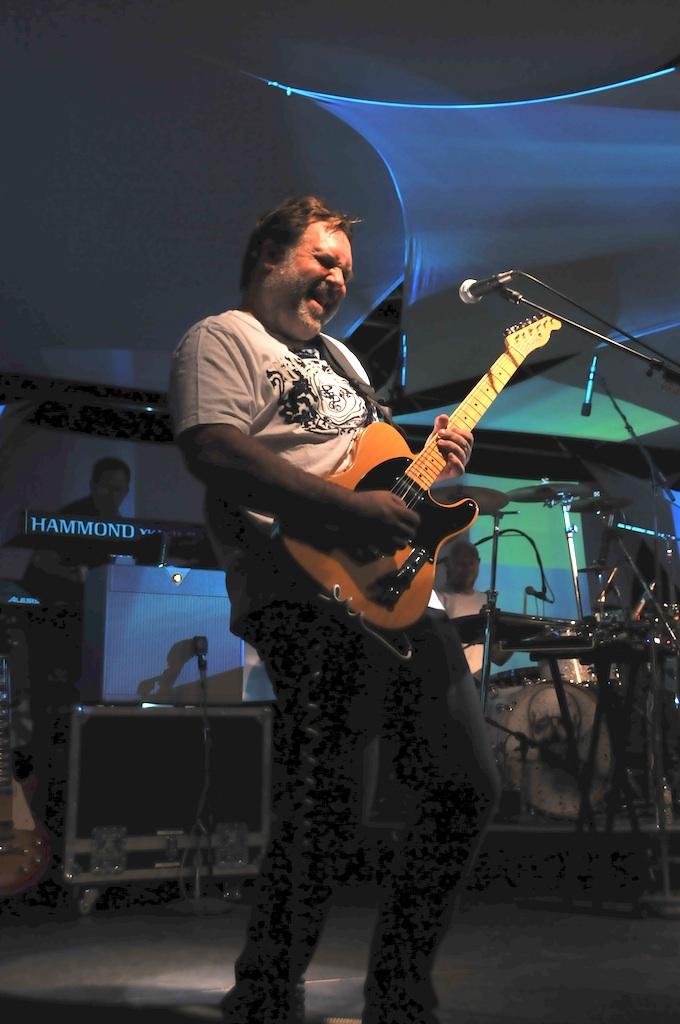 Jeff Smith playing with Wristrocket. Photo courtesy of Hourglass Vineyards.