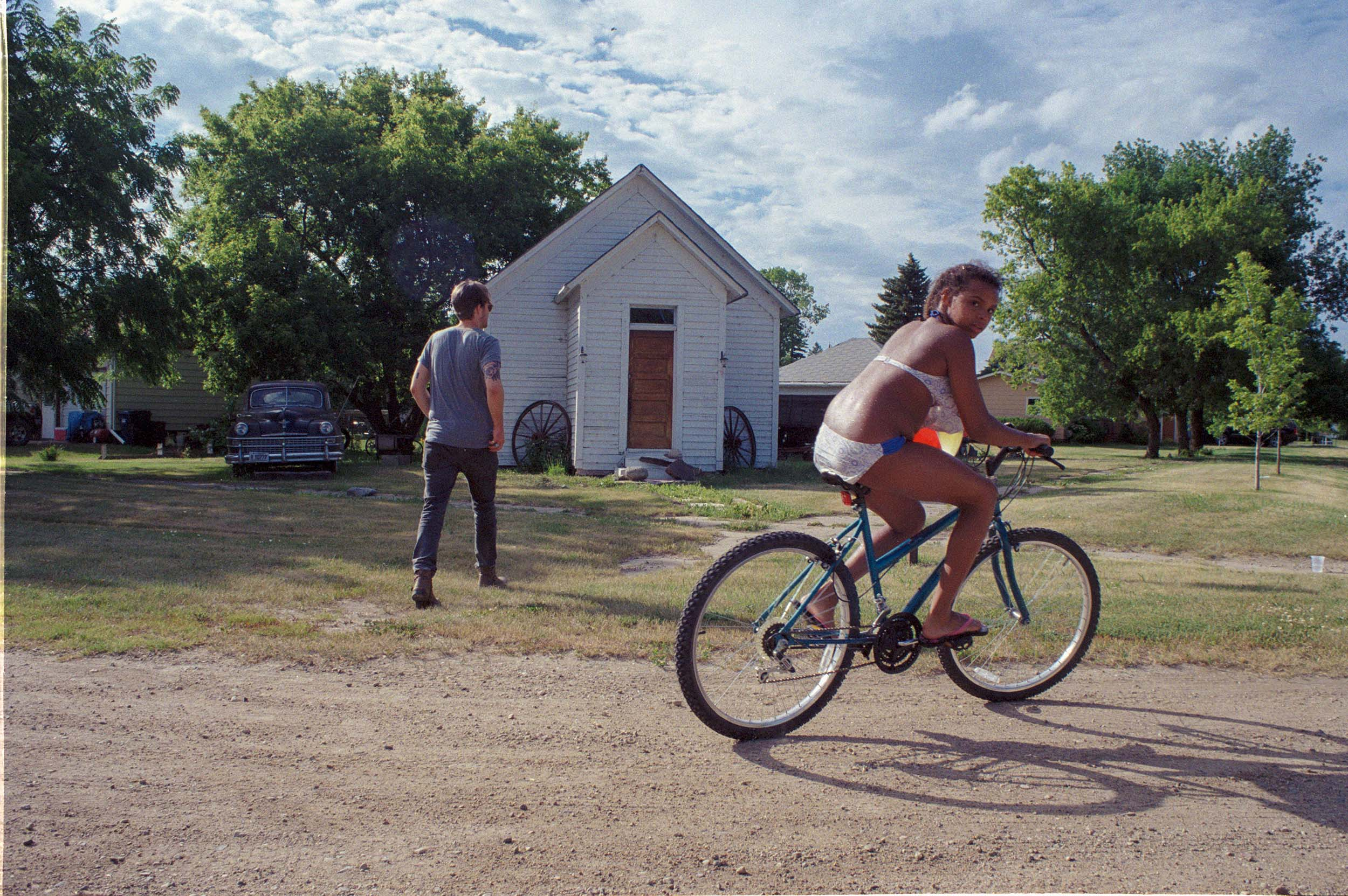 Playing in the neighborhood | Sykeston, North Dakota 2016