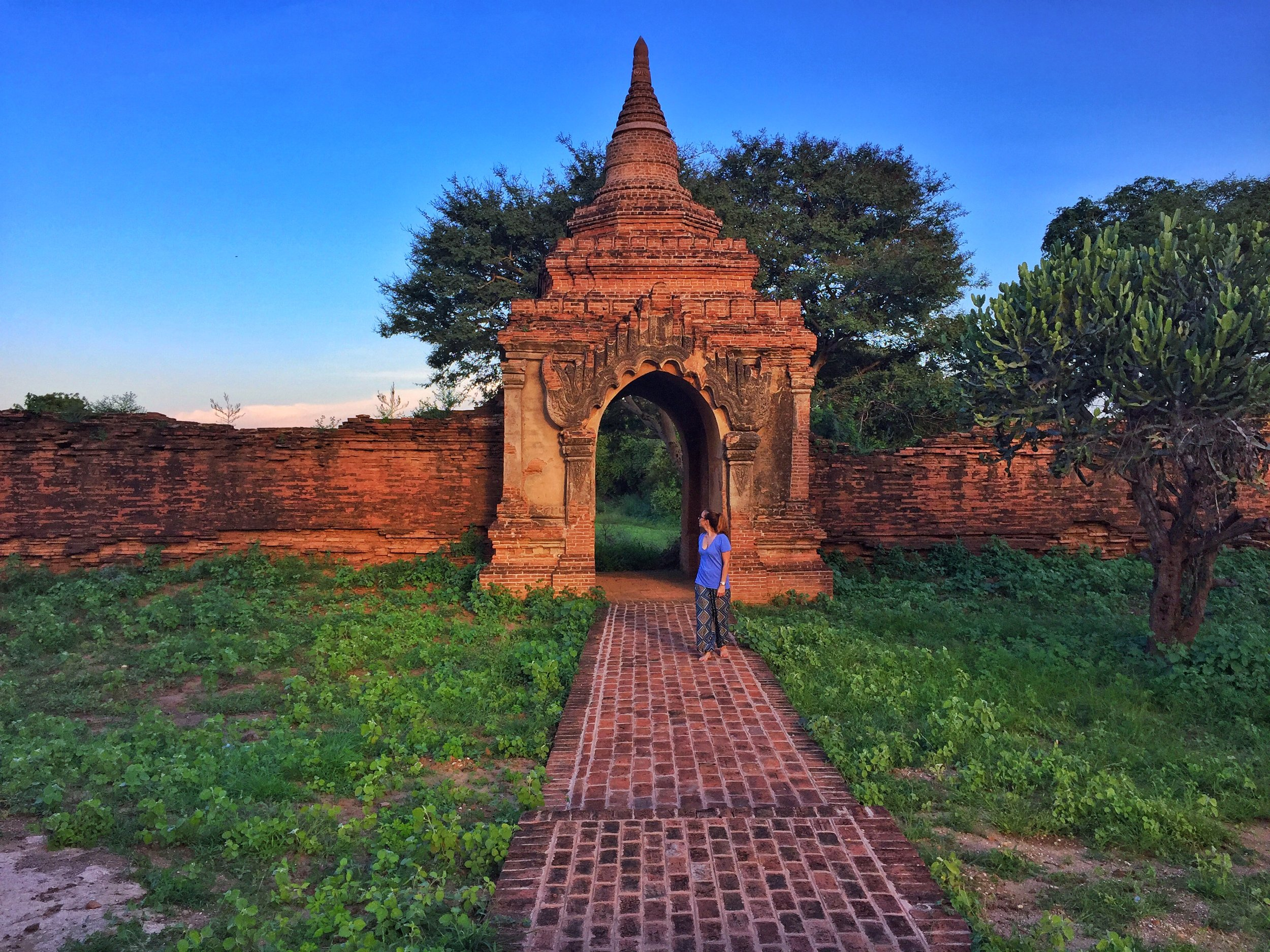 Wandering throughout the pagodas of Bagan wouldn't be as fun if my luggage was lost. Use these 10 tips and you shouldn't have a problem when you arrive!