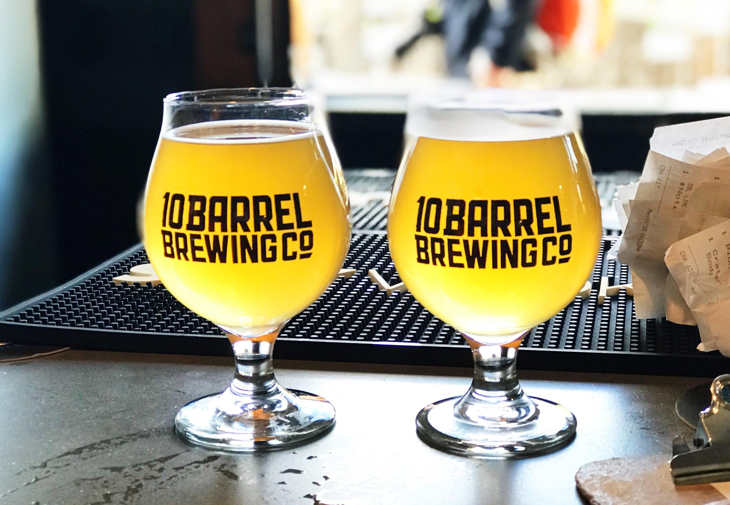 oregon road trip. bend oregon. 10 barrell brewing