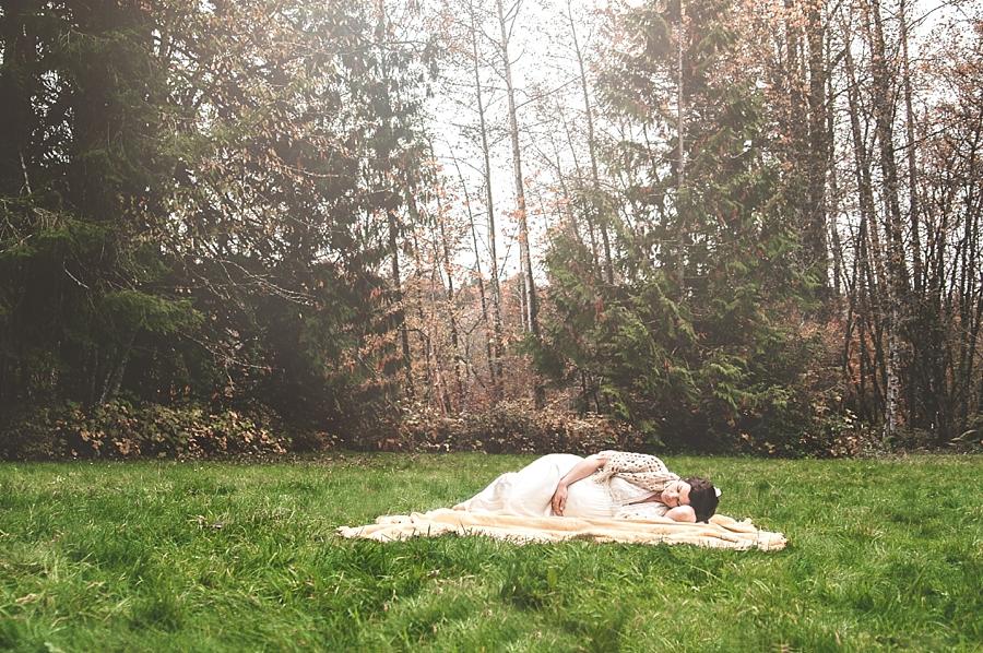 Dreamy maternity postraits - via Gaby Cavalcanti Photography