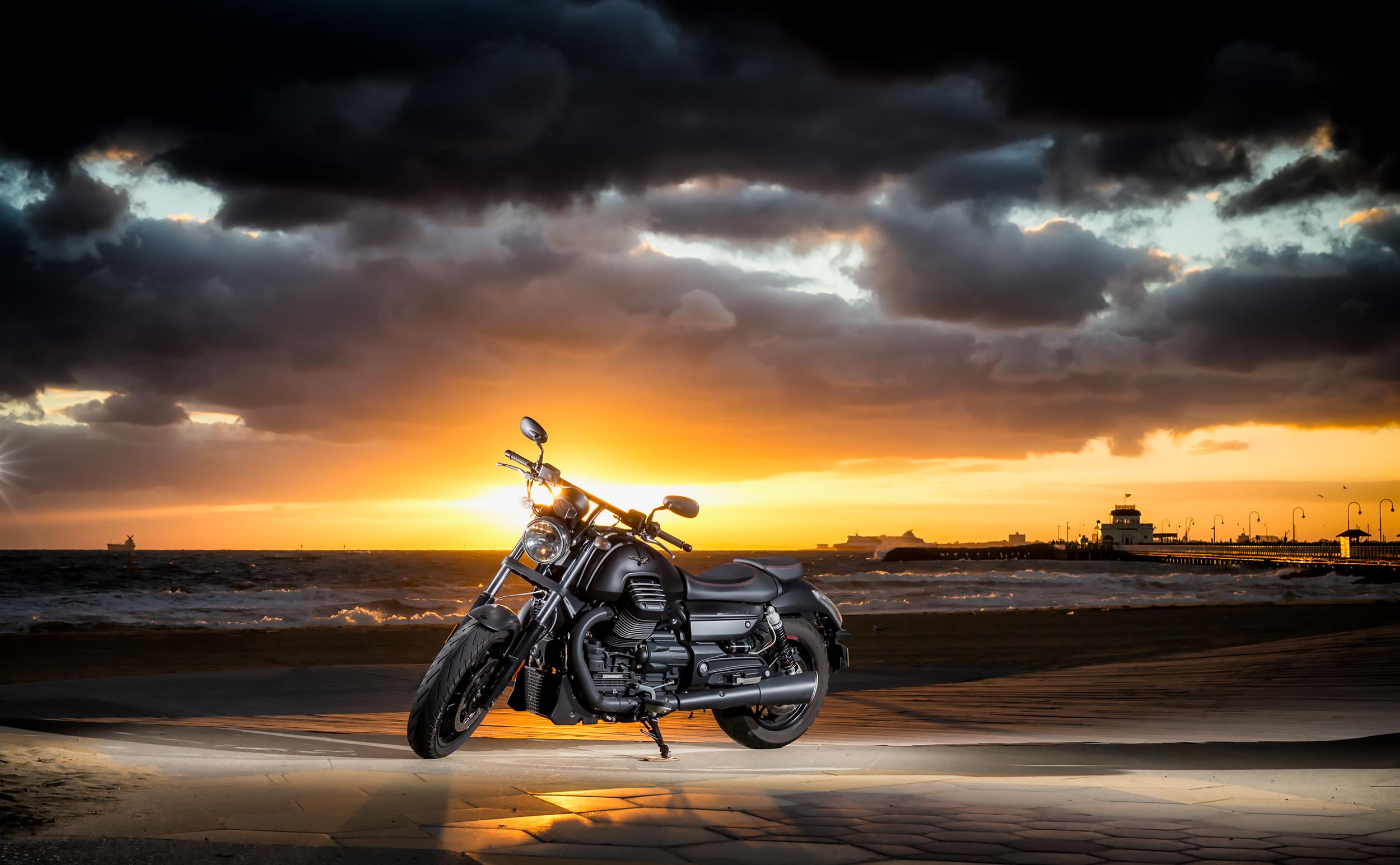 Moto Guzzi Audace.jpg