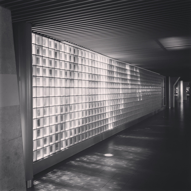 'Glass Wall - Schiphol' 2015