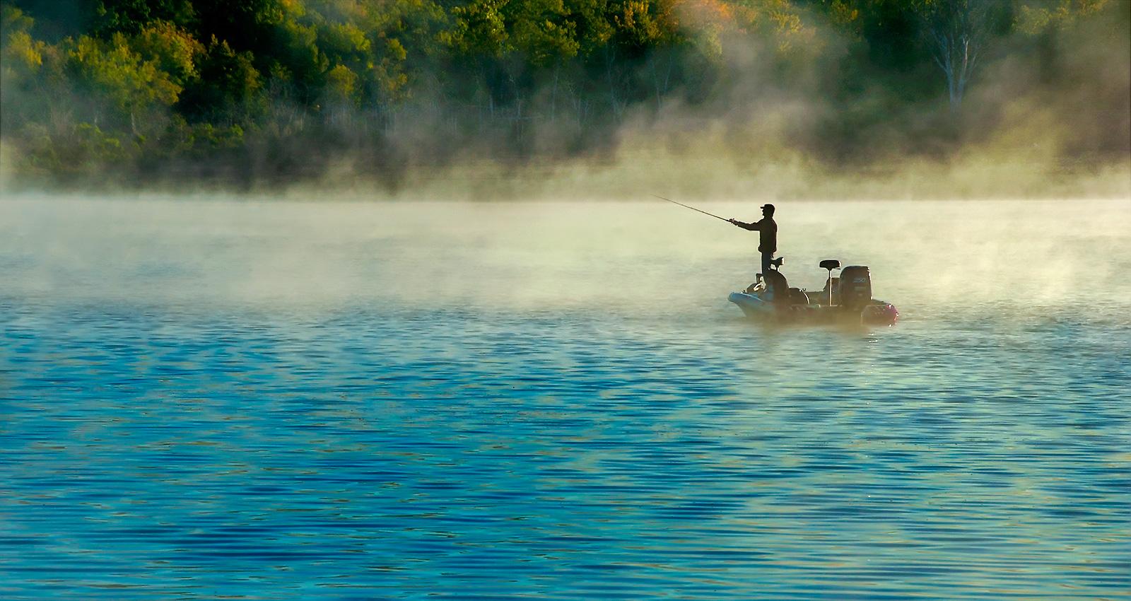 Fishing Bull Shoals Lake out of the Theodosia Marina