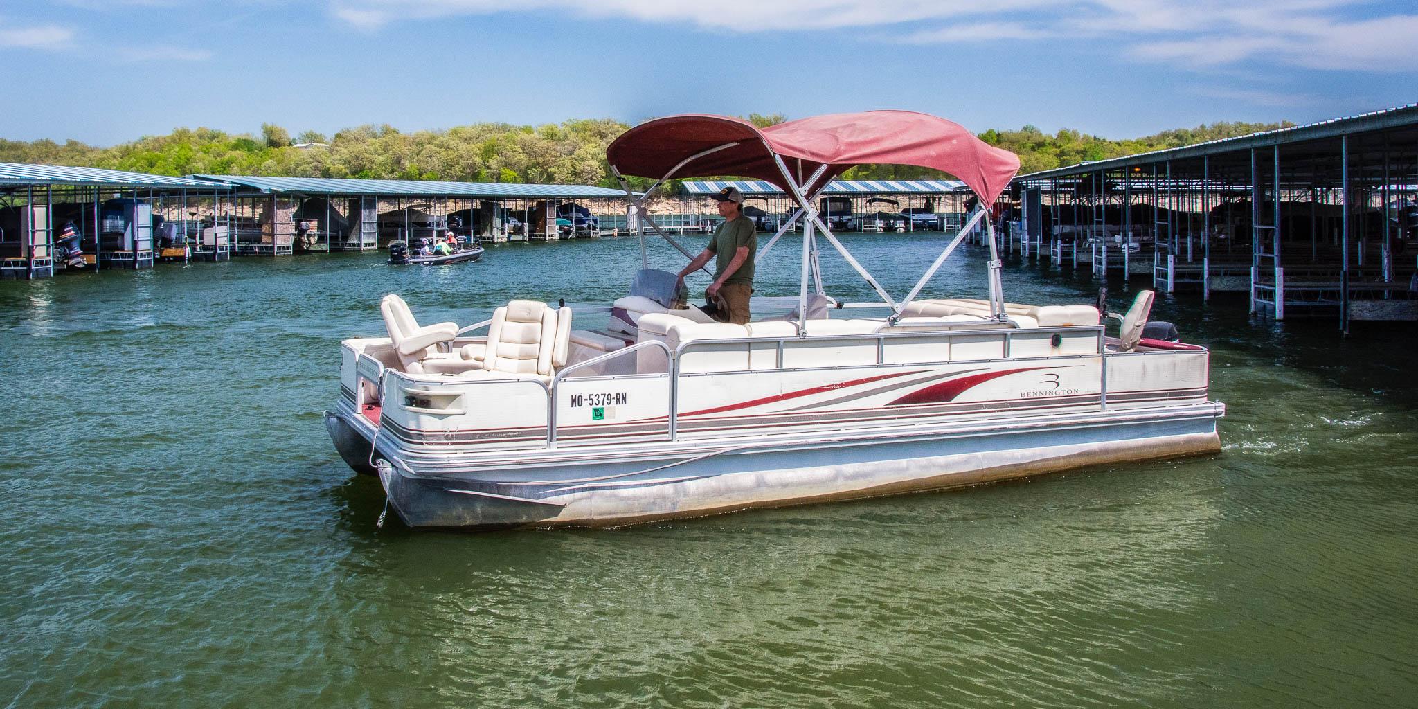 Theodosia Marina-Resort rental boat - 22 ft pontoon