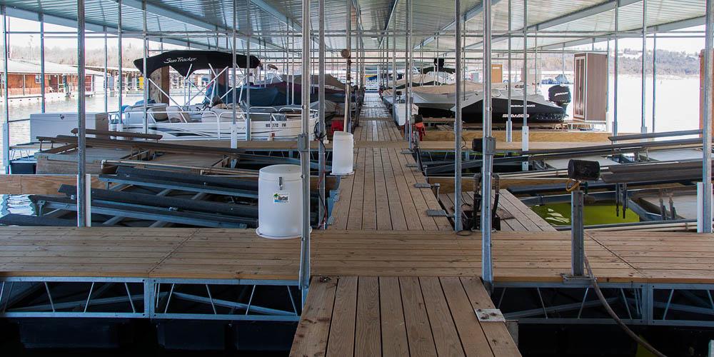 Theodosia Marina-Resort dock rentalson Bull Shoals Lake in Southern Missouri