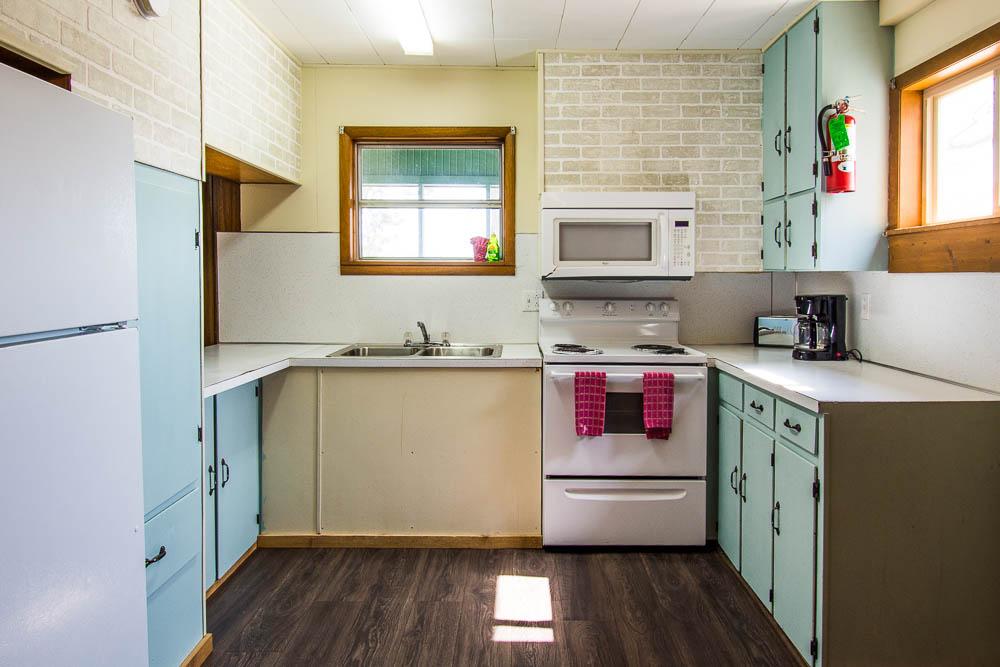 Bull Shoals Lake vacation rental house-kitchen