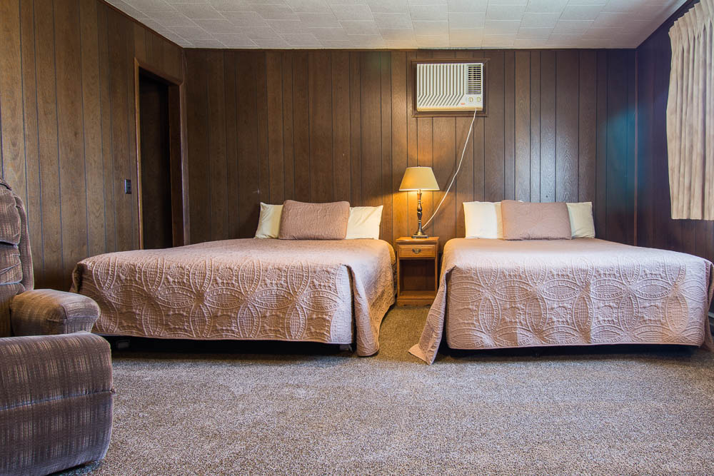 Bull Shoals Lake vacation rental house-bedroom