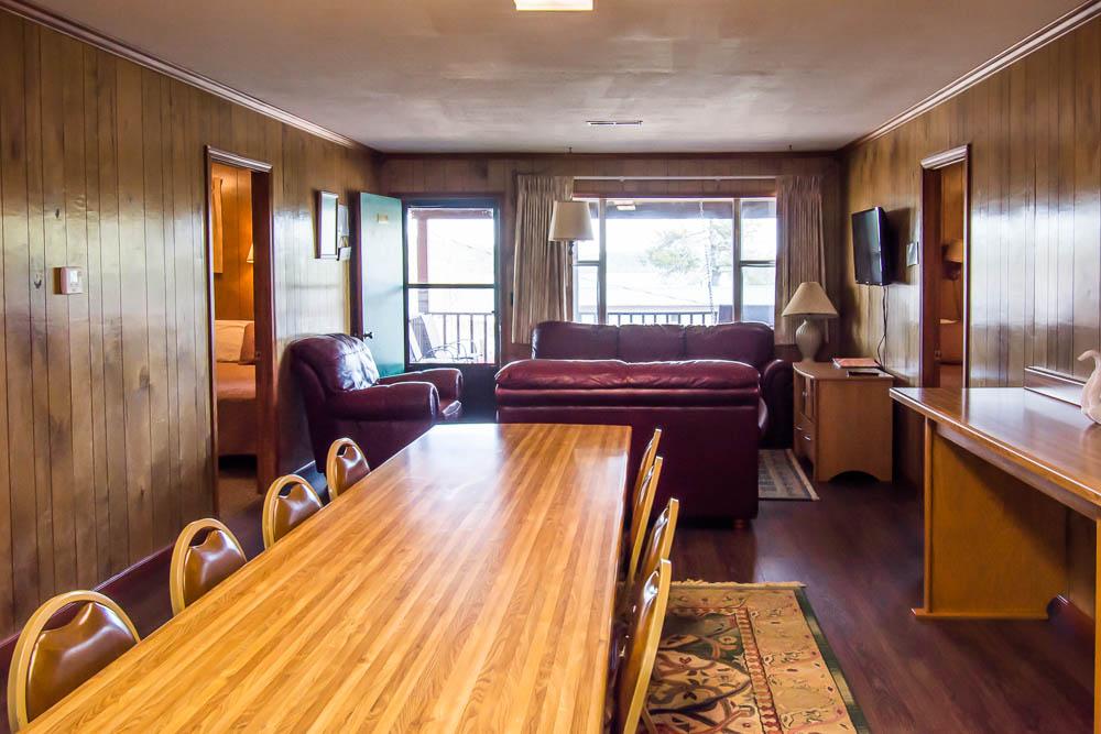 Bull Shoals Lake house vacation rental_dining room