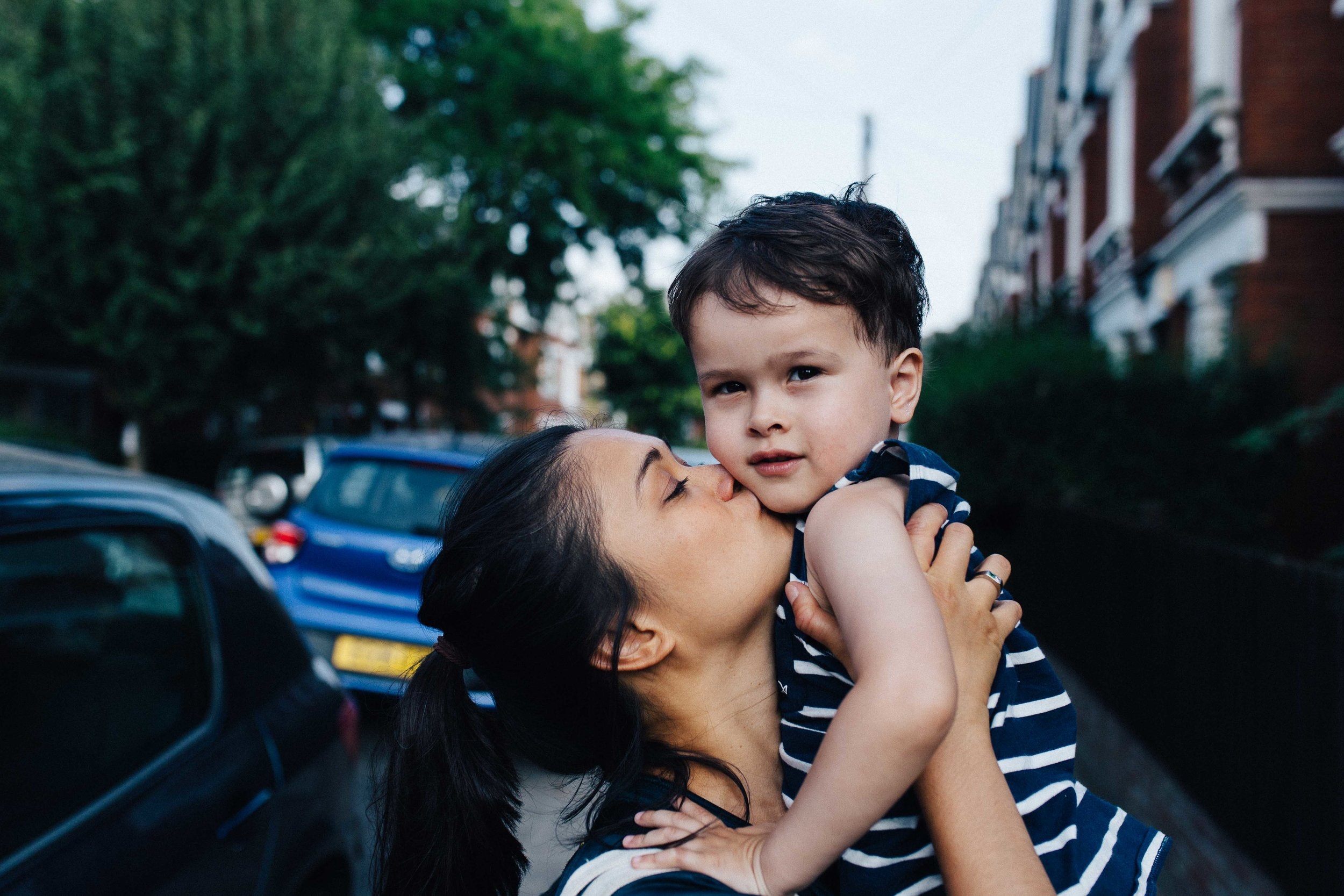 Dulwich family photographer - Portrait of mother and son