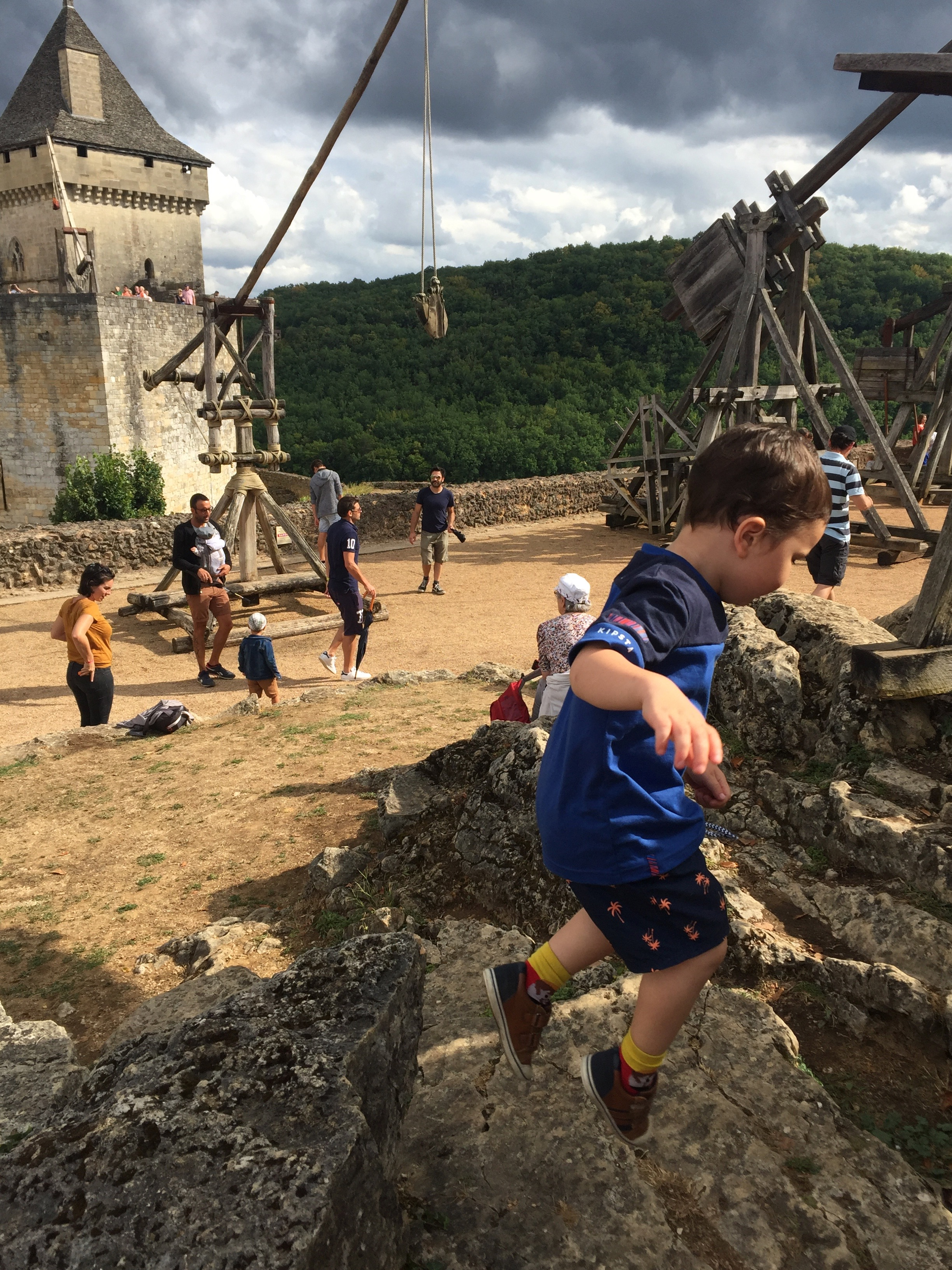 Jumping over a trebuchet at Le Chateau de Castelnaud