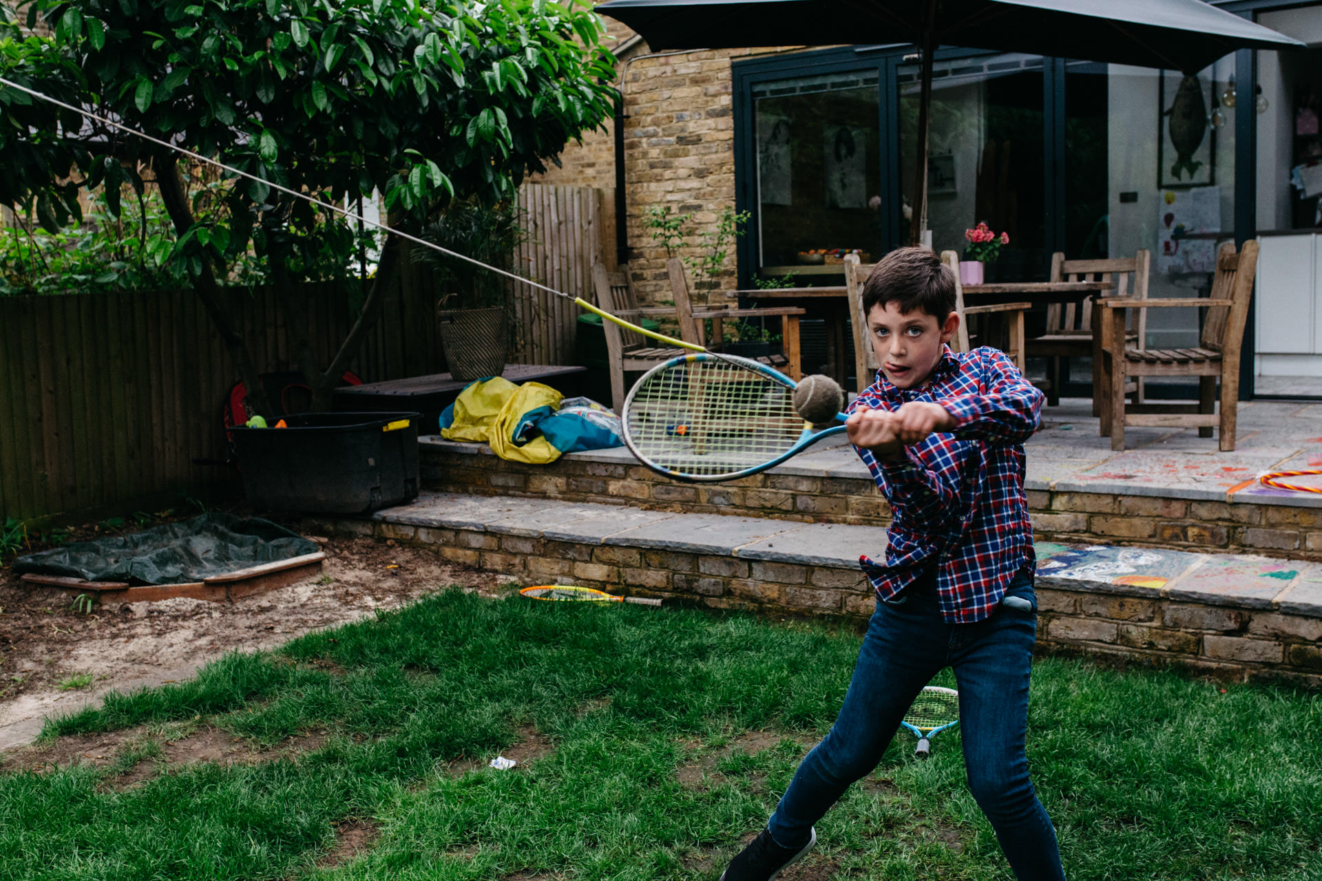 London family photographer | Photoshoot with children playing tennis