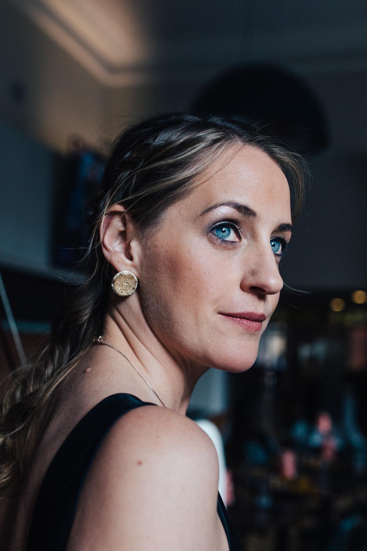Headshot portrait of cellist Katherine Jenkinson by Marion & You Photography