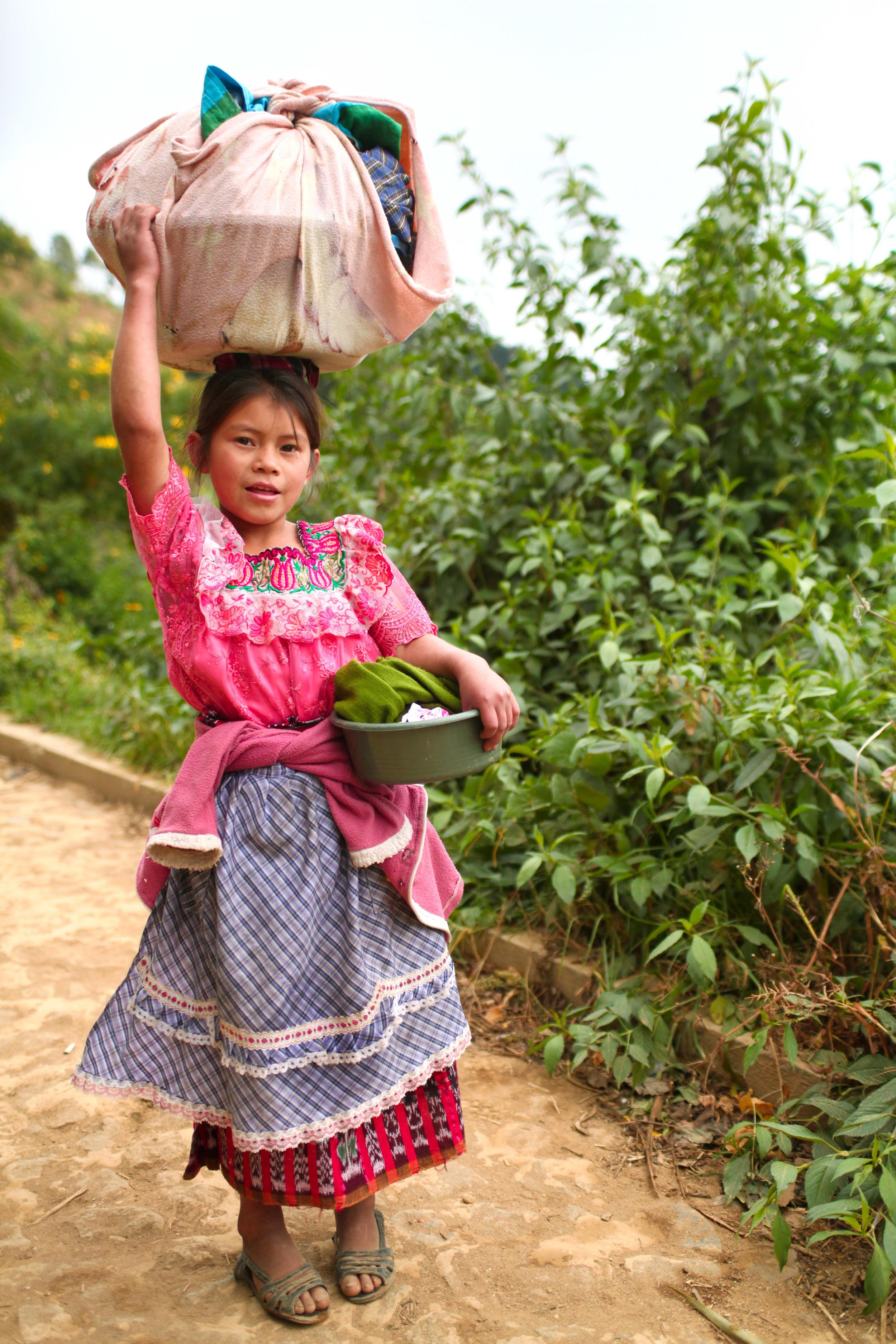 Guate_Vuelta Grande girl (high res)-1.jpg