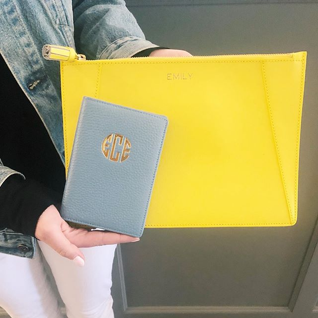 Grad Gifts! A passport cover for their world travels & a clutch that easily packs flat in their suitcase! ✈️🌍 Bon Voyage! #themonogrammedhome #gradgifts #classof2019 #worldtraveler #traveltheworld