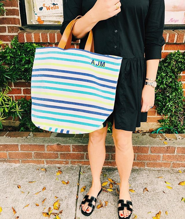 Ready to hit the pool or beach with this packable bright striped tote! #themonogrammedhome #monogrammed #totebag #personalizedgifts #beachbag