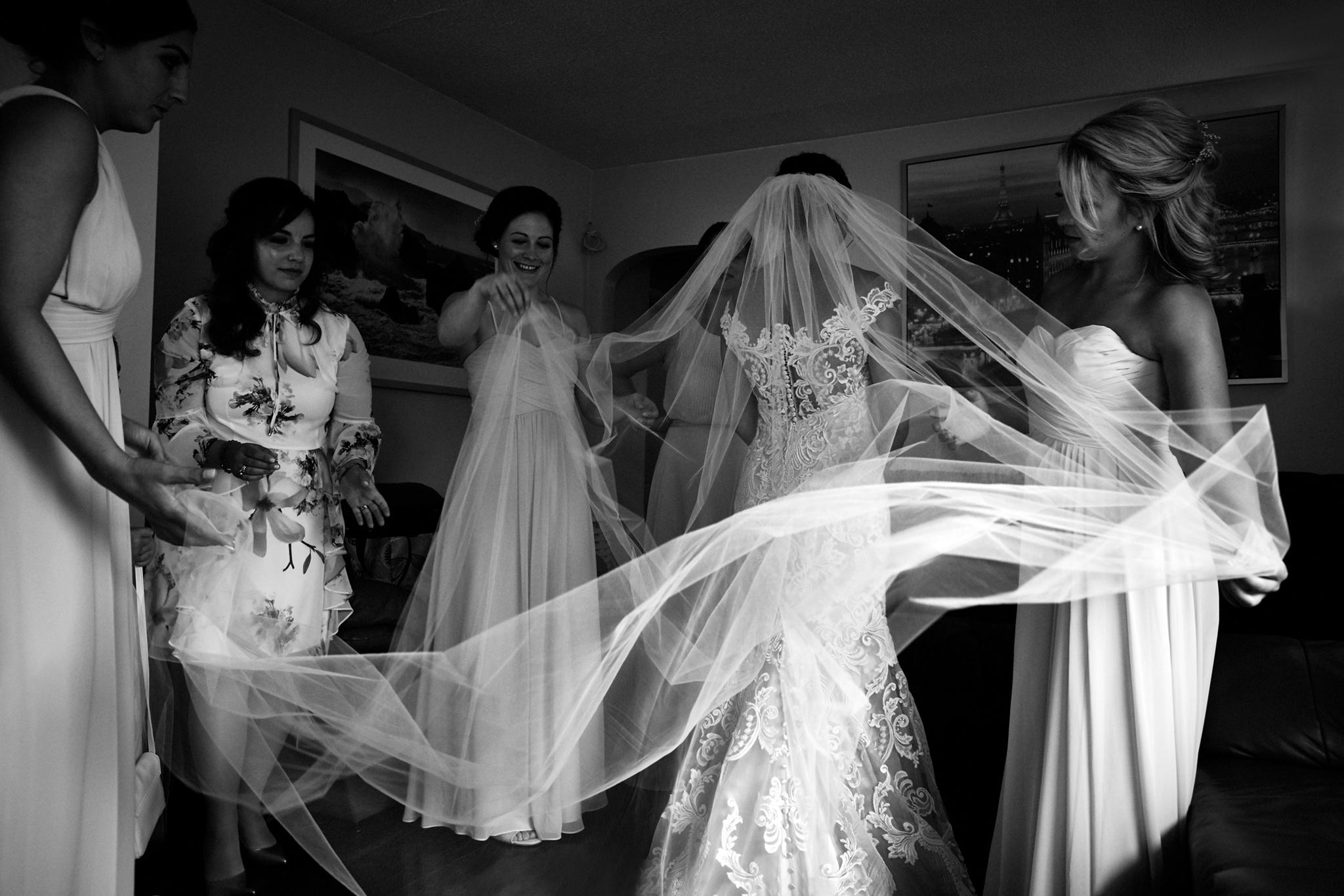 Vancouver wedding, Bride wedding dress