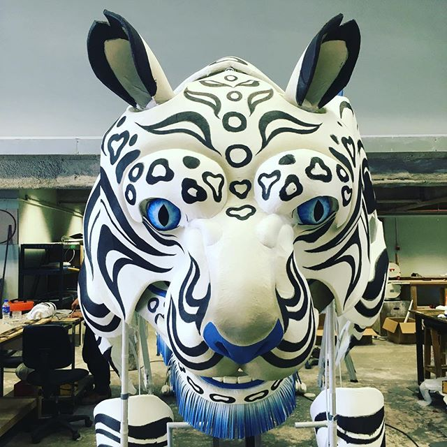 We are finally allowed to show the work we did last year for the #winterolympics2018 #tigerpuppet #koreawinterolympics2018 #handmadepuppets @pyeongchang2018 #whitetiger