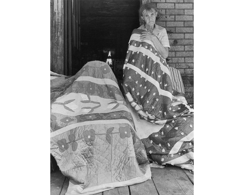 Emma Mills lady quilts handmade Appalchian photographer Tim Barnwell