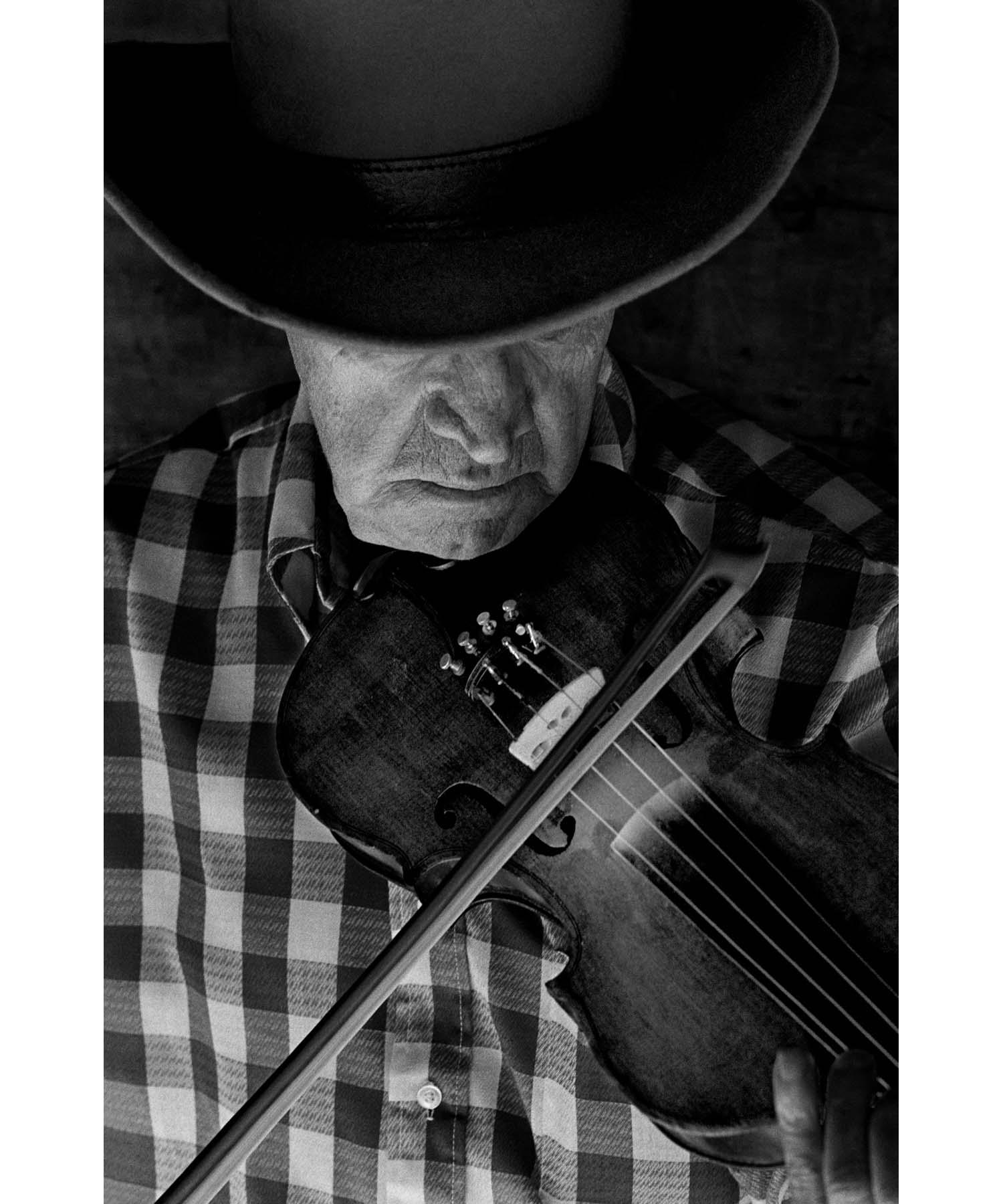 Byard Ray fiddle Appalachia music musician Tim Barnwell photography