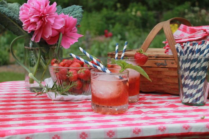 Mocktails for a picnic!