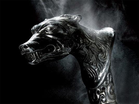 Wolf's_head_cane.jpg