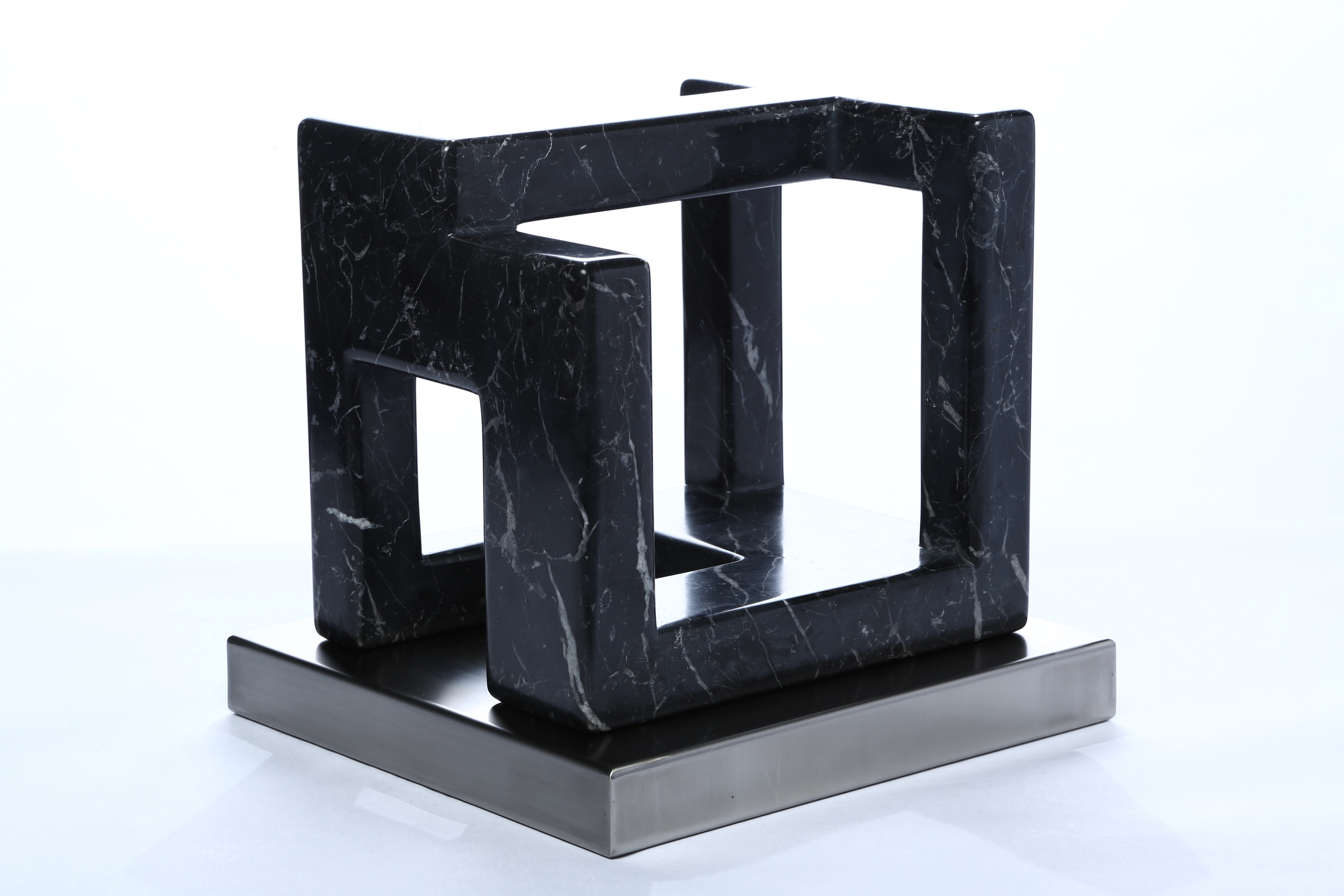 "Empty    Marquina Marble 10½"" x 12¼ x 11½"""