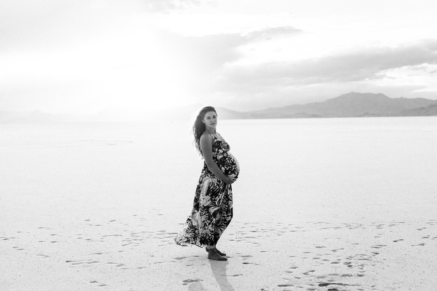 Salt Flats Earthy Maternity Photography UT