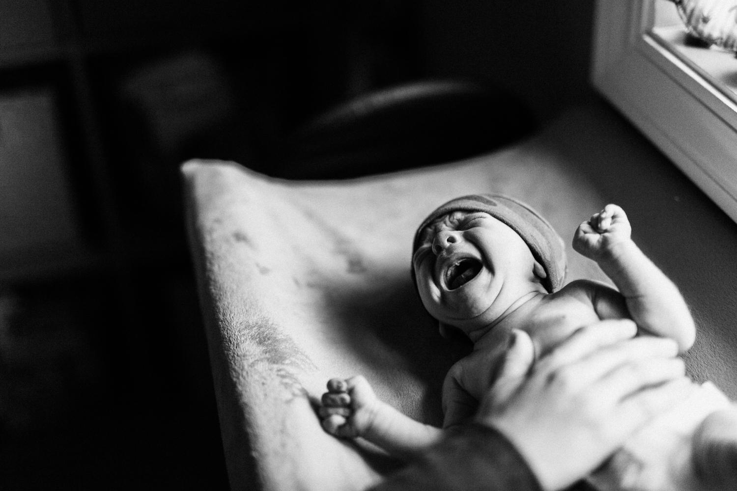 natural-and-artistic-black-and-white-portrait-of-newborn-baby-ogden-utah